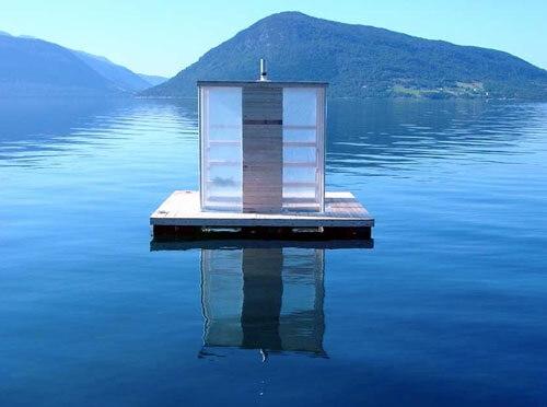 Floating sauna in Rosendal, Noorwegen