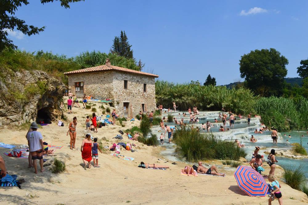 Ontspannen in warmwaterbronnen van Saturnia, Toscan