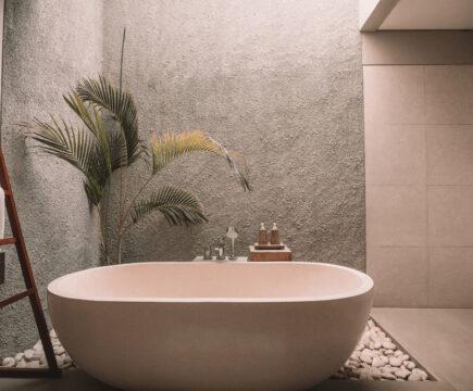 Thuis ontspannen met deze wellness tips voor je eigen badkamer