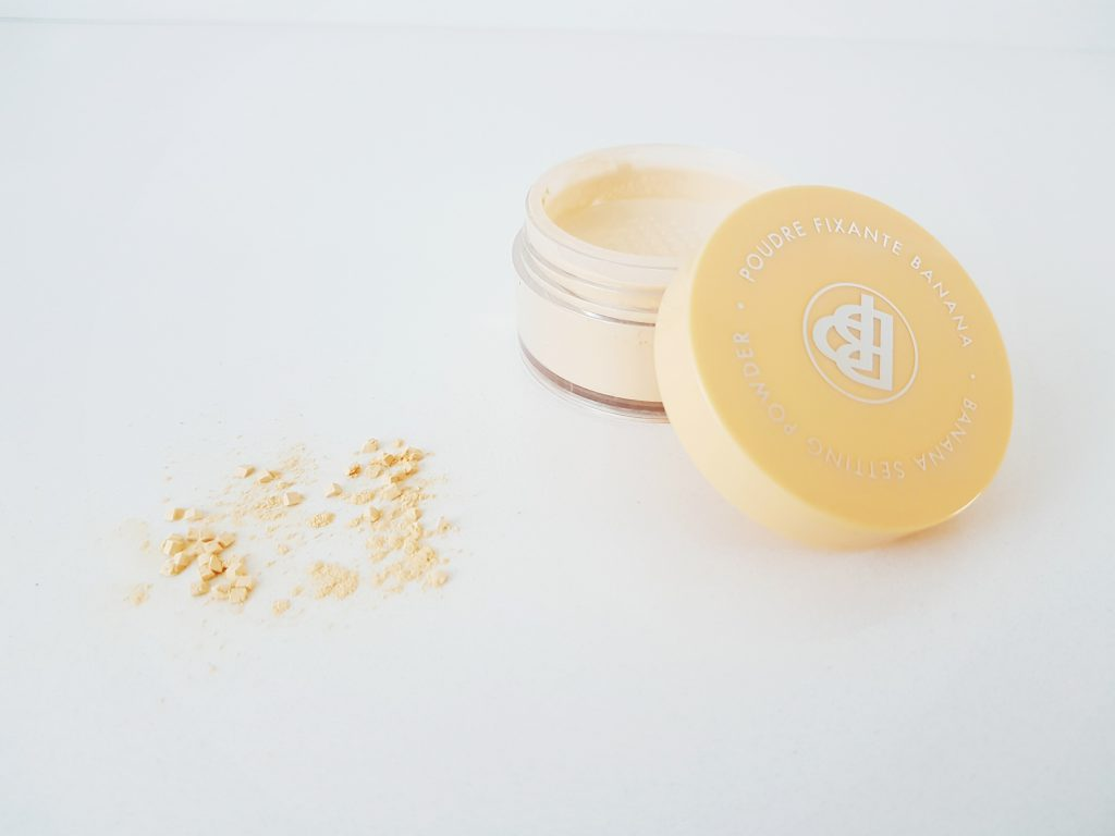 Banana Setting Powder van Bellápierre Cosmetics
