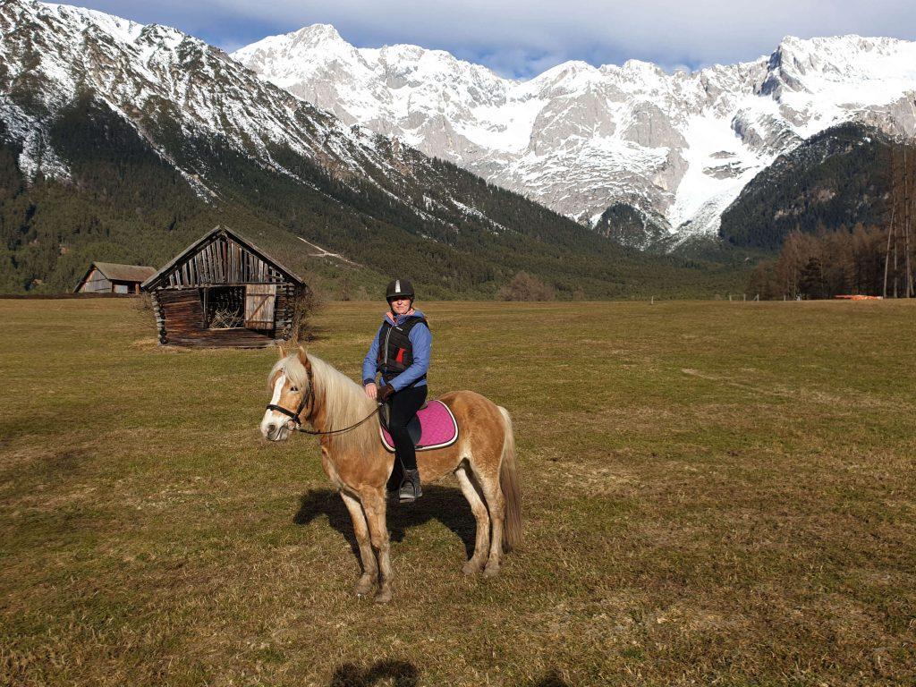 Paardrijden in Mieming