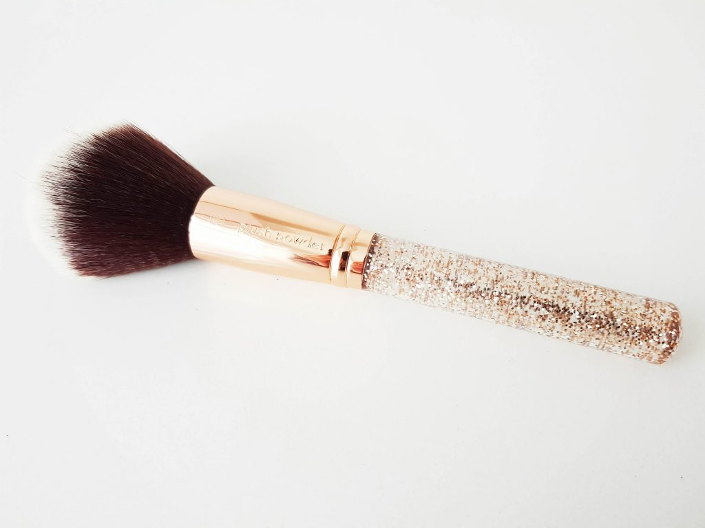 Plush Powder Brush van Niré Beauty