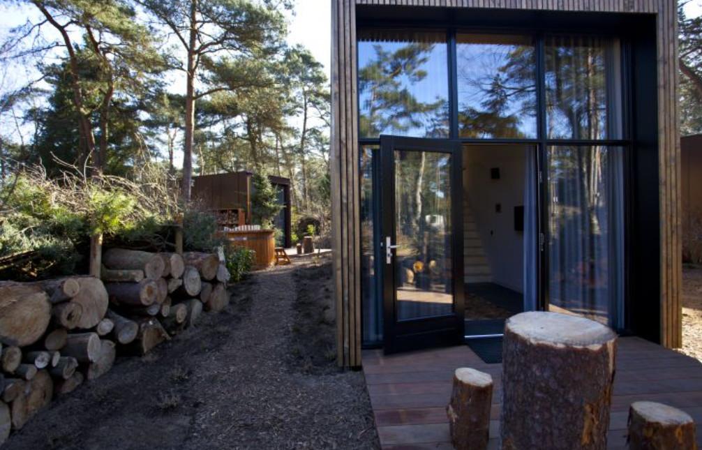Tiny House met hottub op de Veluwe - Droompark de Zanding