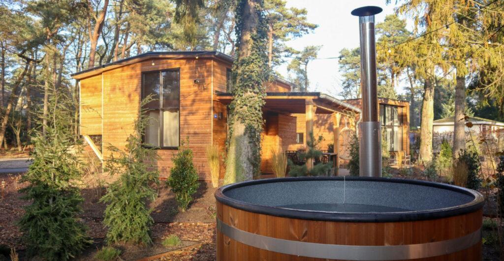 Tiny House met hottub op de Veluwe - Droompark Beekbergen