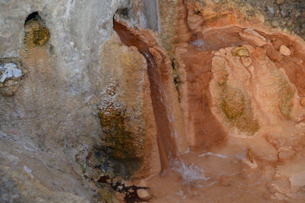 Natuurlijk thermale bronnen van Edipsos