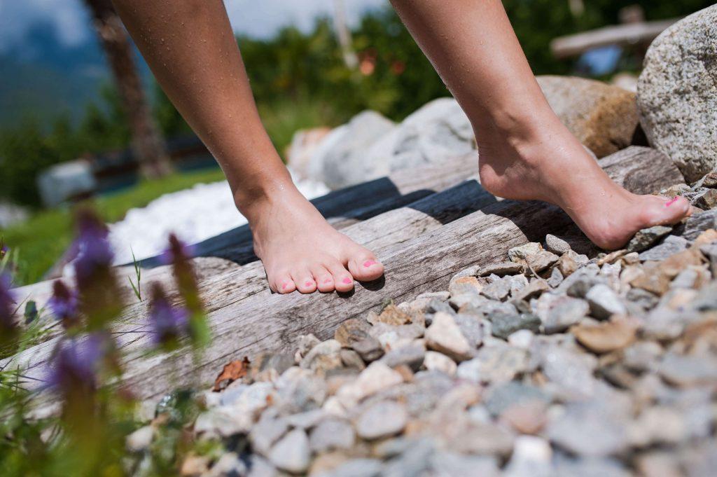 Voordelen wandelen op blote voeten