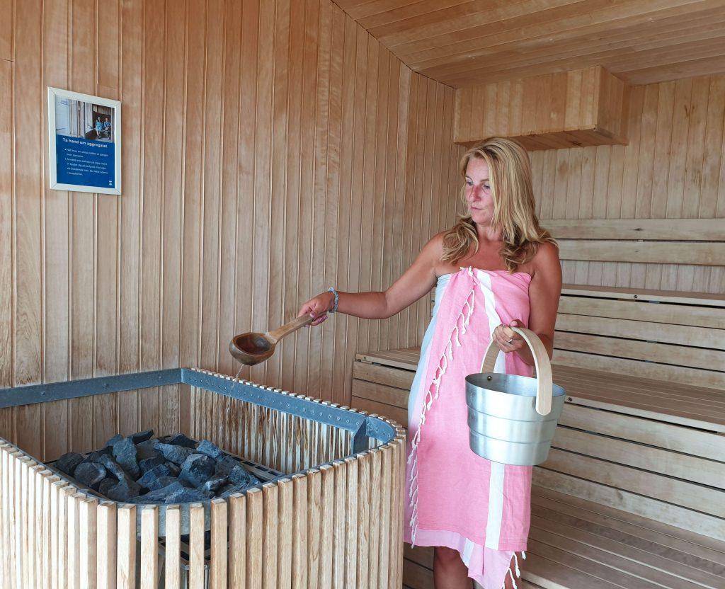 Alleen naar de sauna