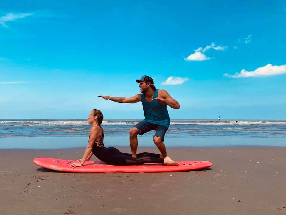 Surf Yoga les op het strand
