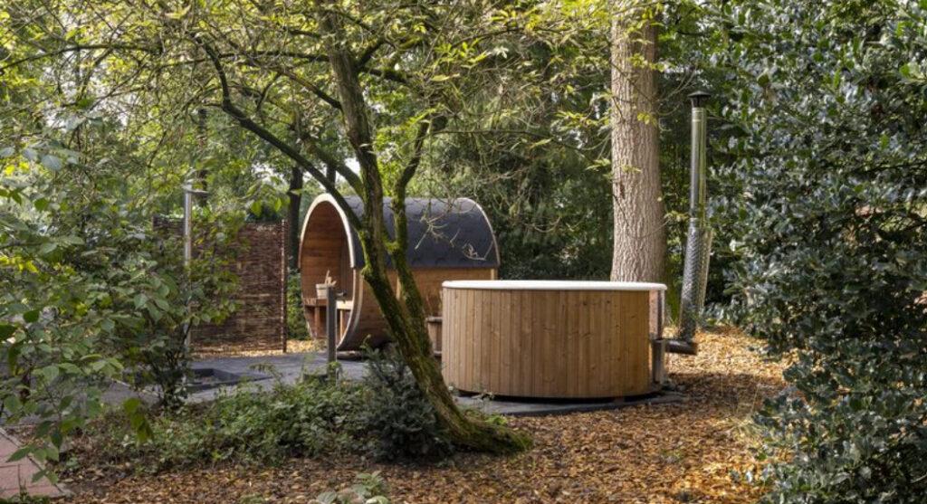 Wellness vakantiehuizen met sauna en hottub buiten