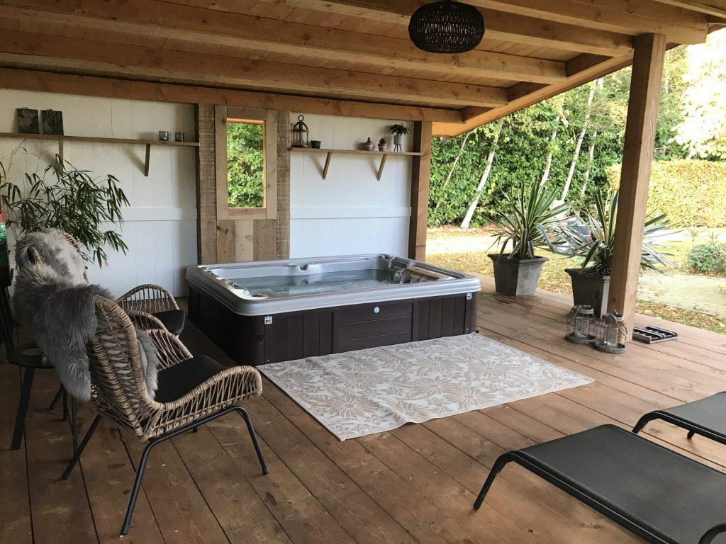 Huisje met bubbelbad in Drenthe