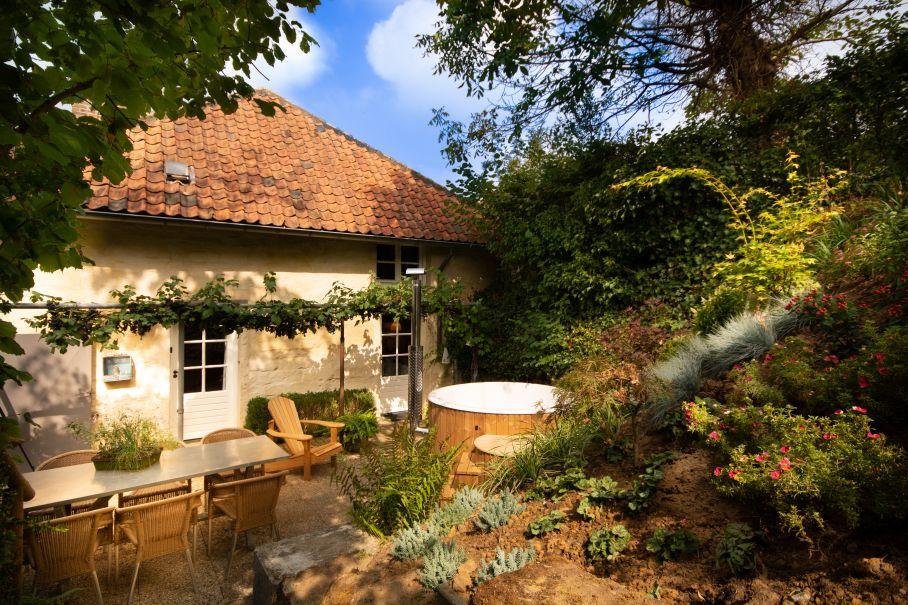 Natuurhuisje met sauna binnen en hottub buiten Valkenburg