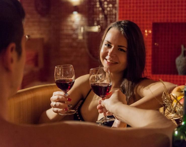 Badderen in wijn in Wine Spa in Praag