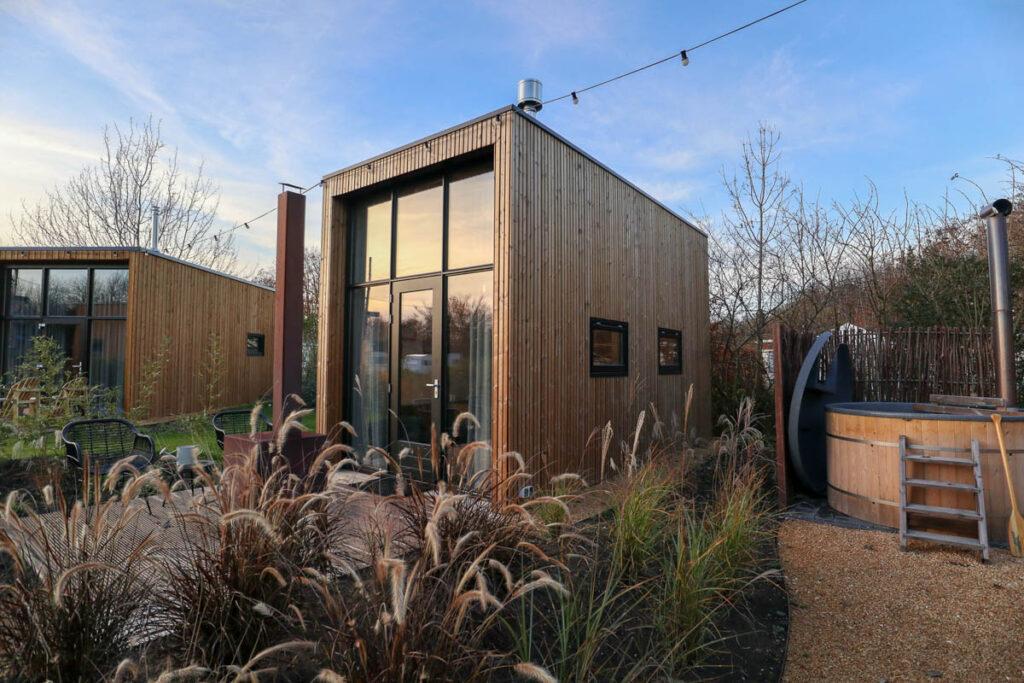 Tiny House met gedeelde hottub- Droompark Buitenhuizen - Velsen-Zuid - Noord-Holland