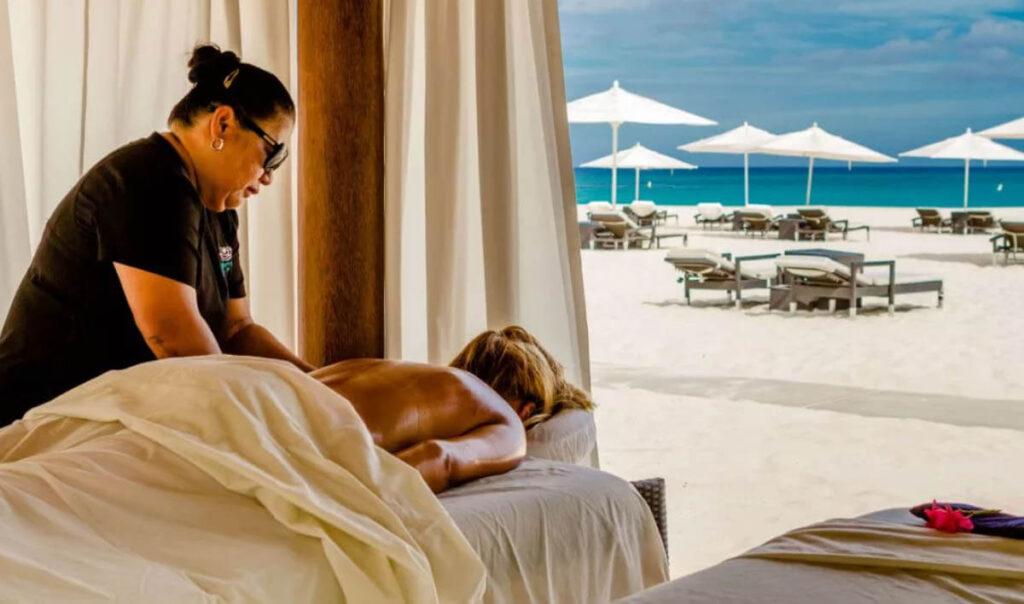 Massage op het strand Aruba - Purun Spa Bucuti Tara