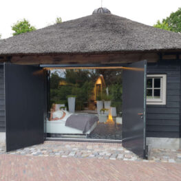 Slapen in een hooiberg met sauna in Nederland