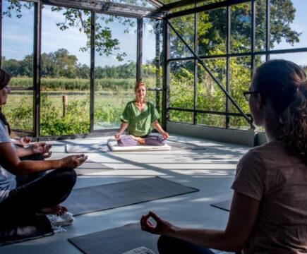 Bijzondere yoga plekken in Nederland