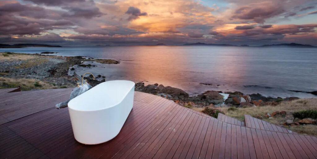 Bad met uitzicht in Tasmanië, Australië