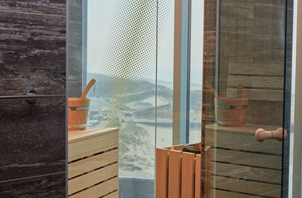 Hotelkamer met sauna met uitzicht op zee in Scheveningen