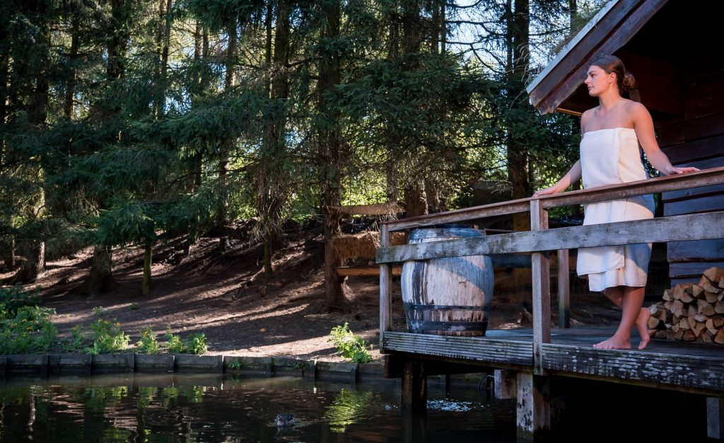 Wellness op het water op een saunaboot!