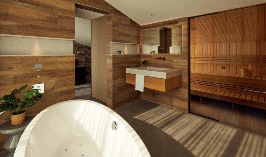 Hotelkamer met sauna en bad